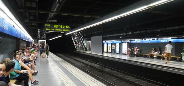 バルセロナ 地下鉄ホーム